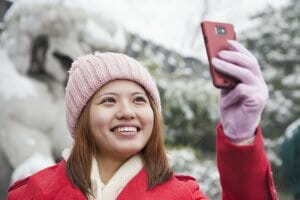 protecting your phone in cold weather
