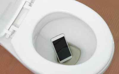 3 Things You Can Do with a Phone with Water Damage