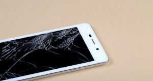 Fixing iPhone Screens